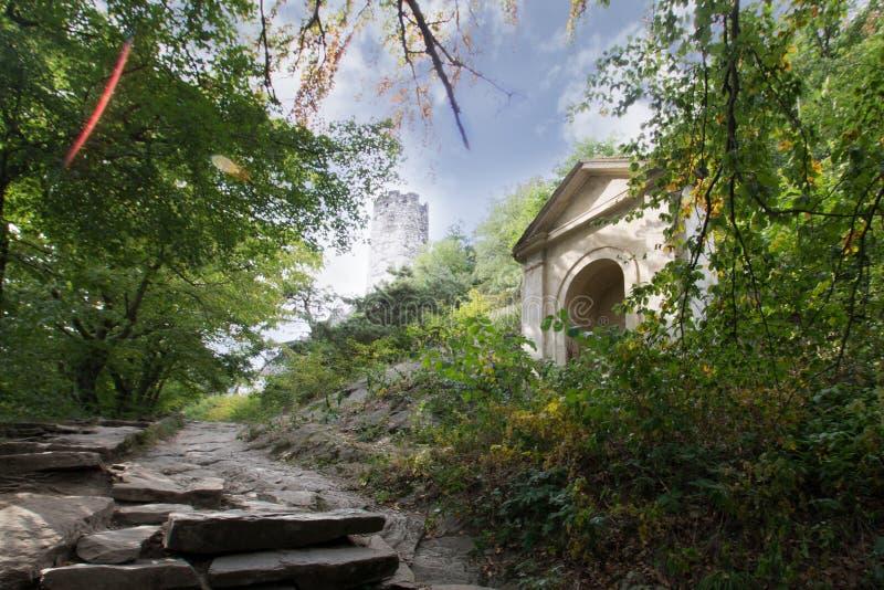 Strada di pietra del castello immagini stock