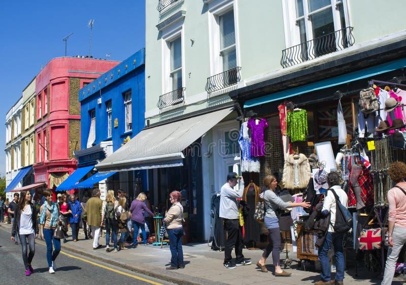 Strada di Portobello, Notting Hill, Londra, Inghilterra fotografie stock libere da diritti