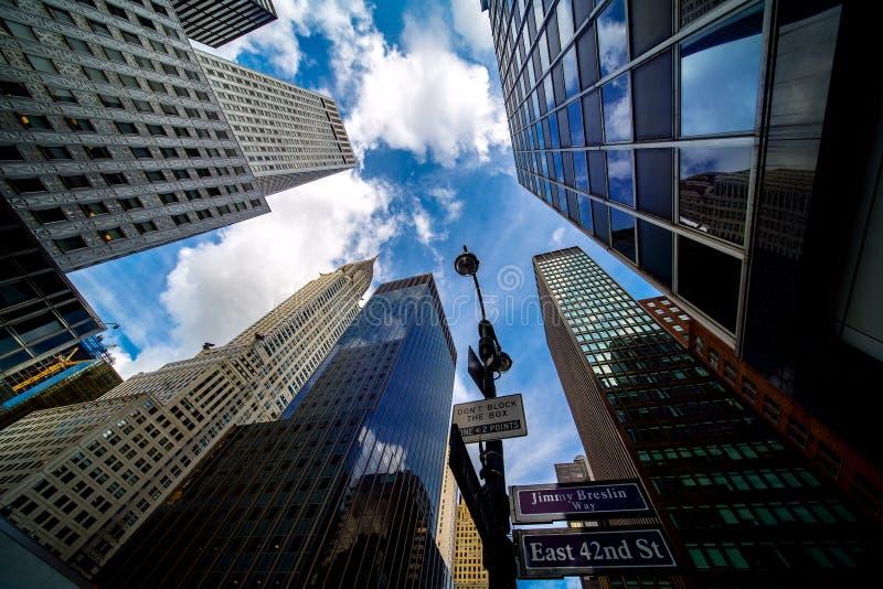 Strada e costruzione a New York City immagini stock libere da diritti
