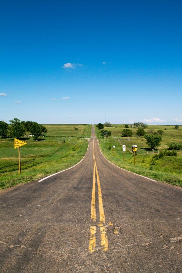 Strada lunga di Kansas immagini stock