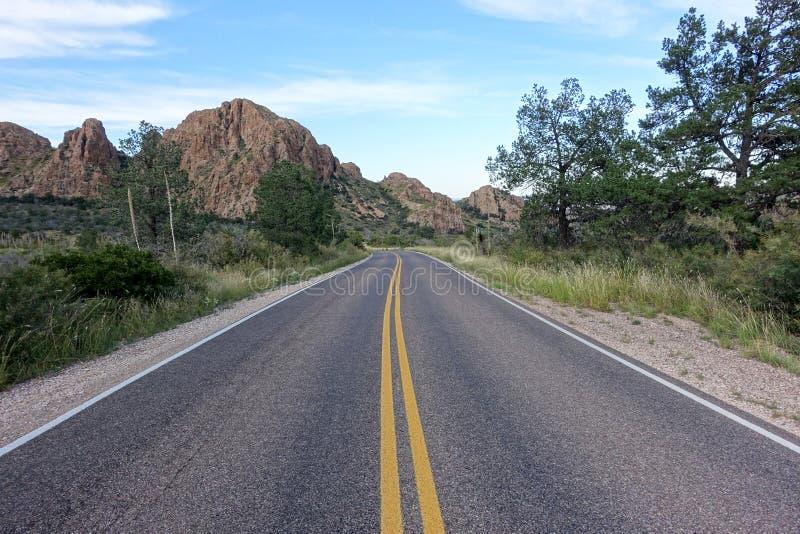 Strada nel grande parco nazionale della curvatura fotografia stock