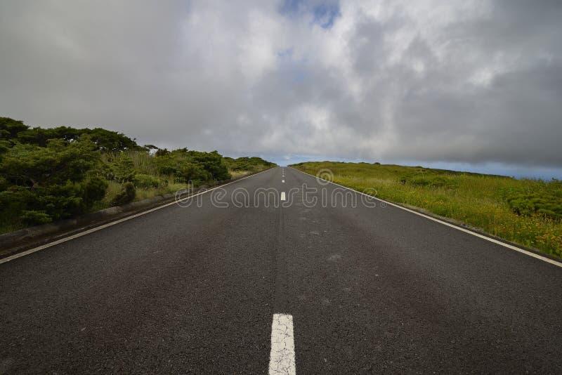 Strada nell'isola del Flores fotografia stock libera da diritti