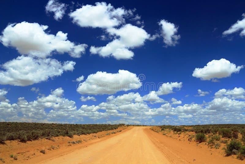 Strada non asfaltata al canyon del Chaco, New Mexico fotografie stock