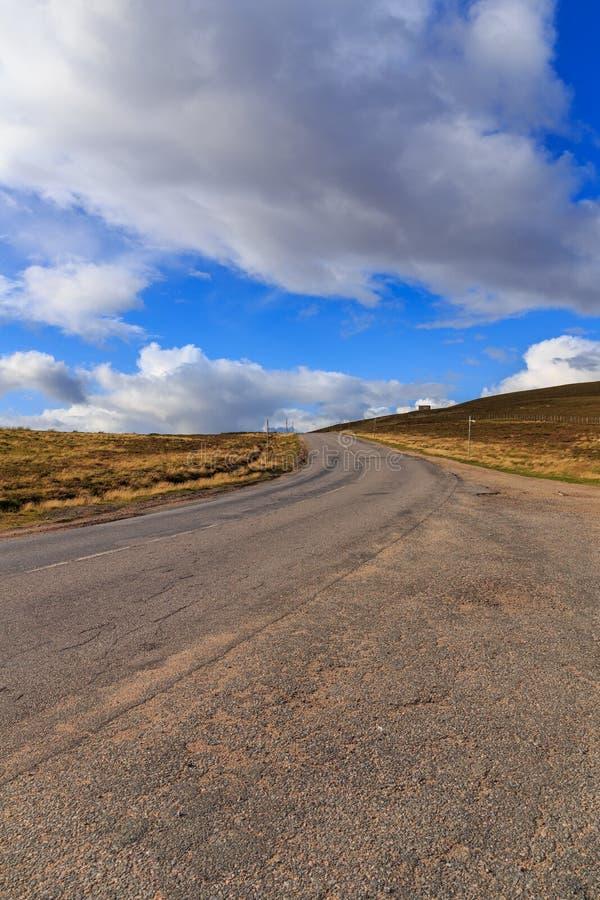 Strada principale attraverso Cairngorms fotografia stock