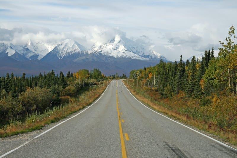 Strada principale d'Alasca fotografie stock libere da diritti
