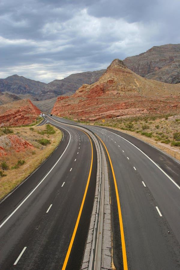 Strada principale del deserto di bobina fotografia stock libera da diritti