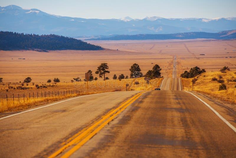 Strada principale della campagna di Colorado immagini stock