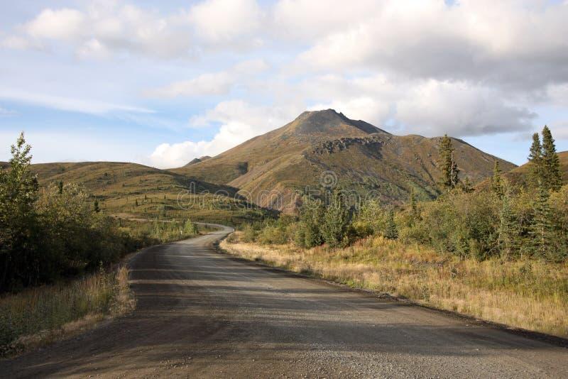Strada principale di Dempster nel Yukon, Canada fotografia stock