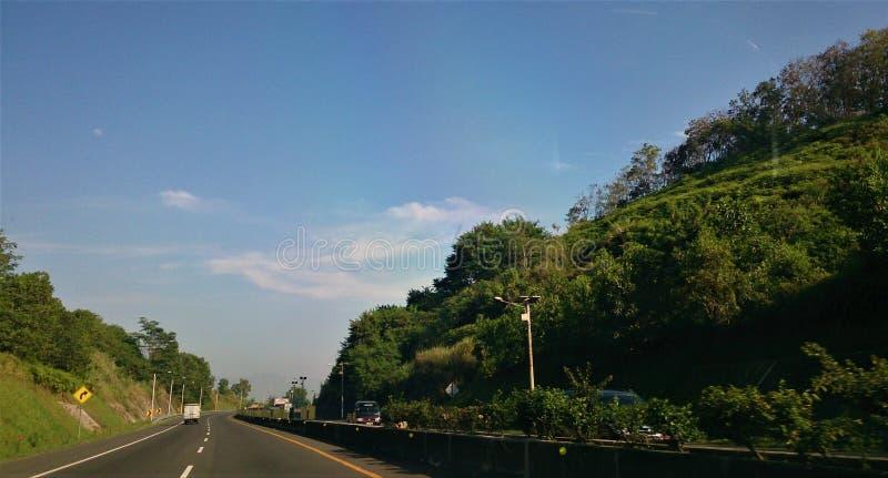 Strada principale di Padalarang situata in Java ad ovest, Indonesia immagini stock