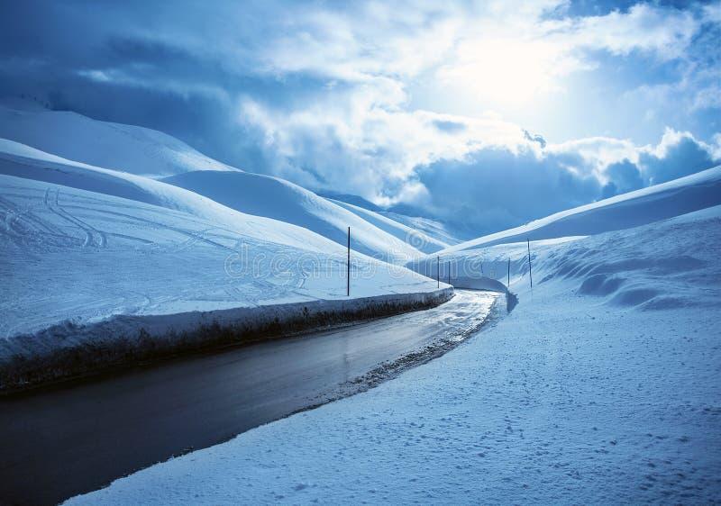 Strada principale di Snowy fotografia stock