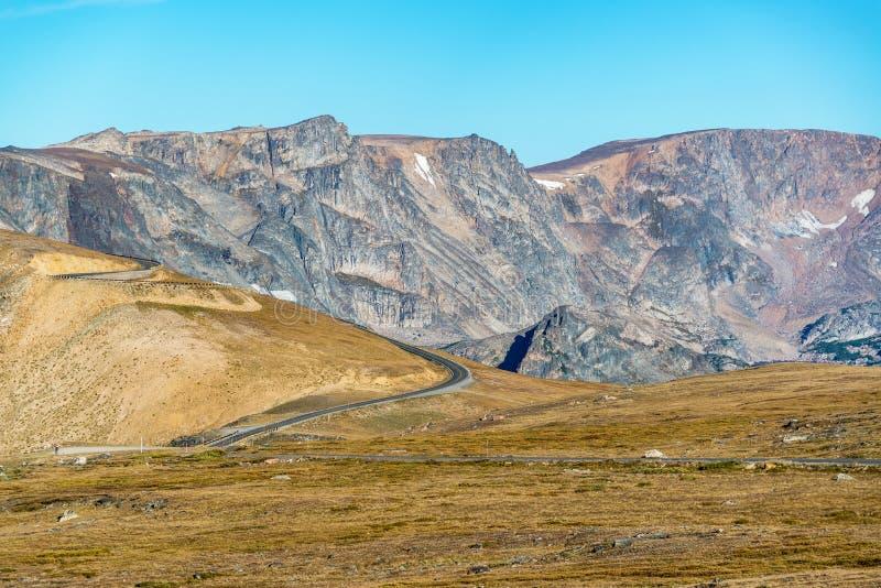 Strada principale in montagne di Beartooth fotografia stock