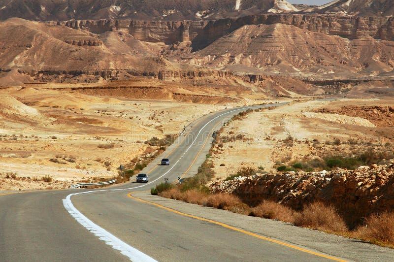 Strada principale nel deserto. immagini stock