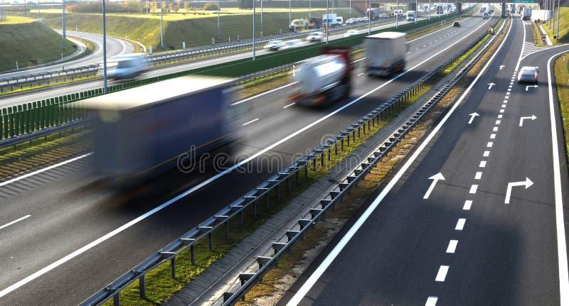 Strada principale a quattro corsie di controllato-Access in Polonia fotografie stock