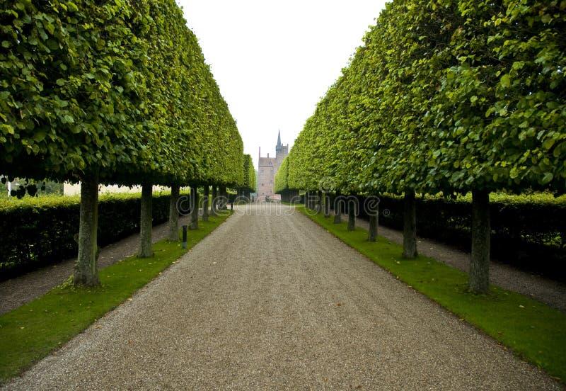 Strada privata allineata grande barriera fotografia stock for Strada privata