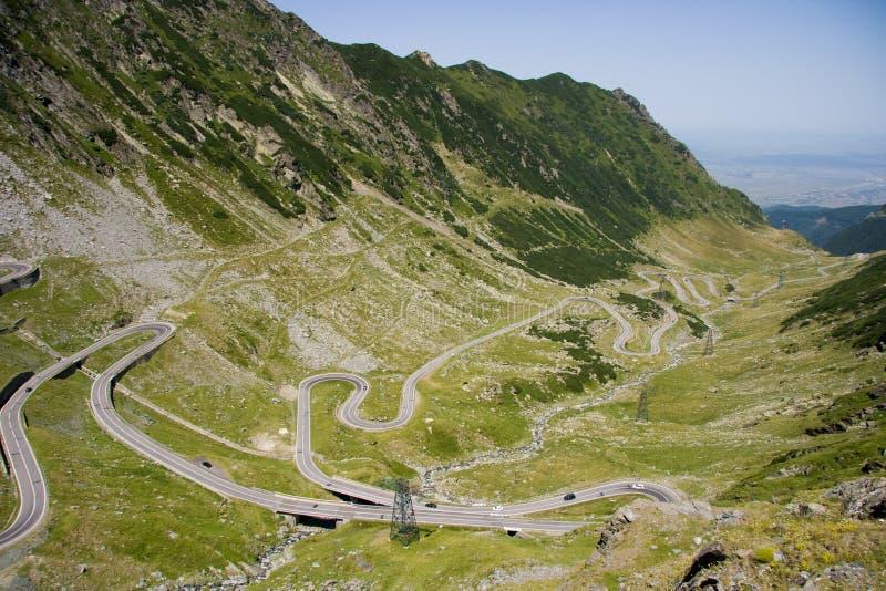 Strada rumena superba della montagna immagini stock