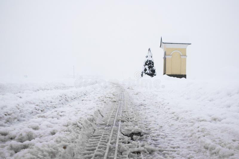 Strada Snowbound fotografia stock libera da diritti
