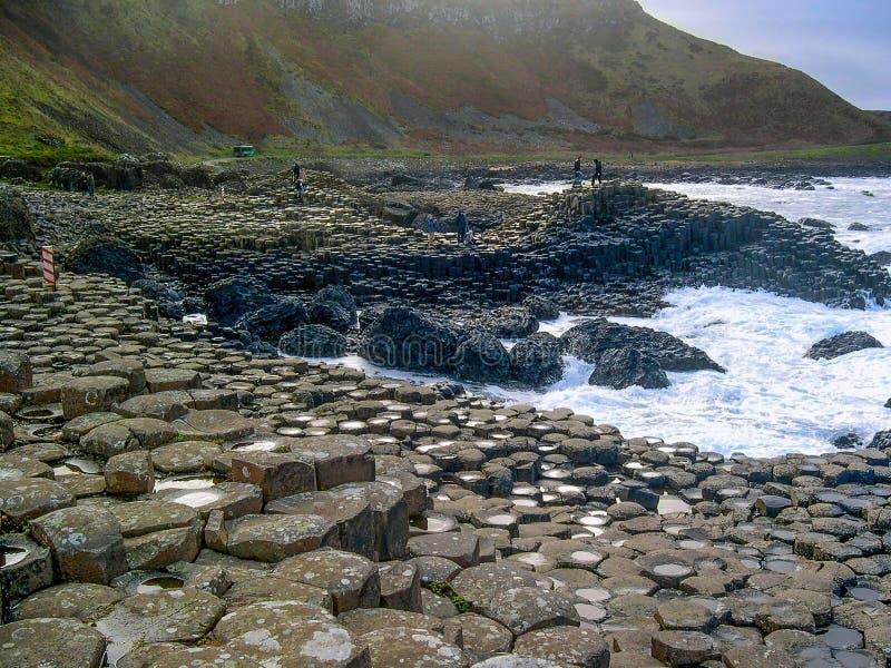 Strada soprelevata gigante del ` s, Antrim Co , l'Irlanda del Nord, Regno Unito immagine stock libera da diritti