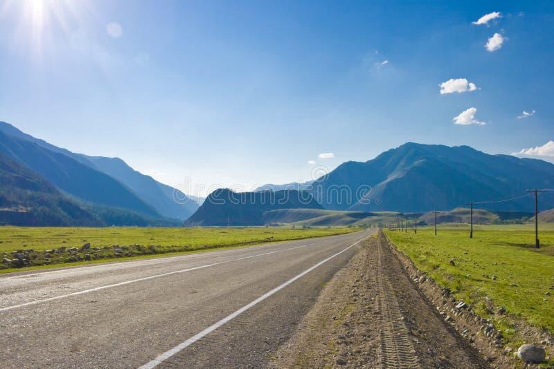 Strada in valle fotografia stock libera da diritti