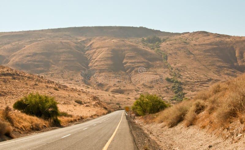 Strada vuota della strada principale. Il Galilee. L'Israele del nord. immagine stock