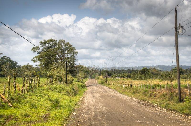 Strada vuota fra La Fortuna e La Guaria, Costa Rica fotografie stock