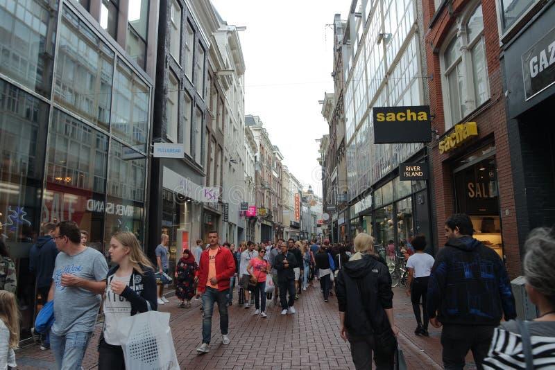 Strade affollate di Amsterdam immagini stock libere da diritti