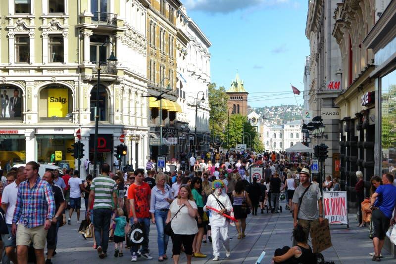 Strade affollate di Oslo immagine stock libera da diritti