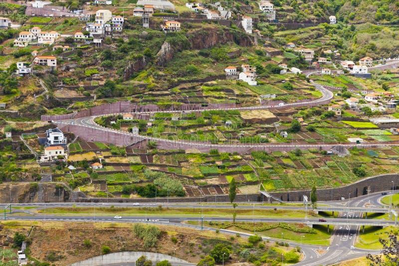Strade della strada di montagna sull'isola del Madera, Portogallo immagine stock