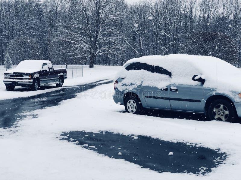 Strade di nevicata fotografia stock libera da diritti