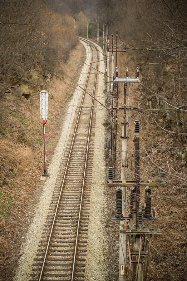 Strade ferrate con trazione elettrica per i treni fotografia stock libera da diritti