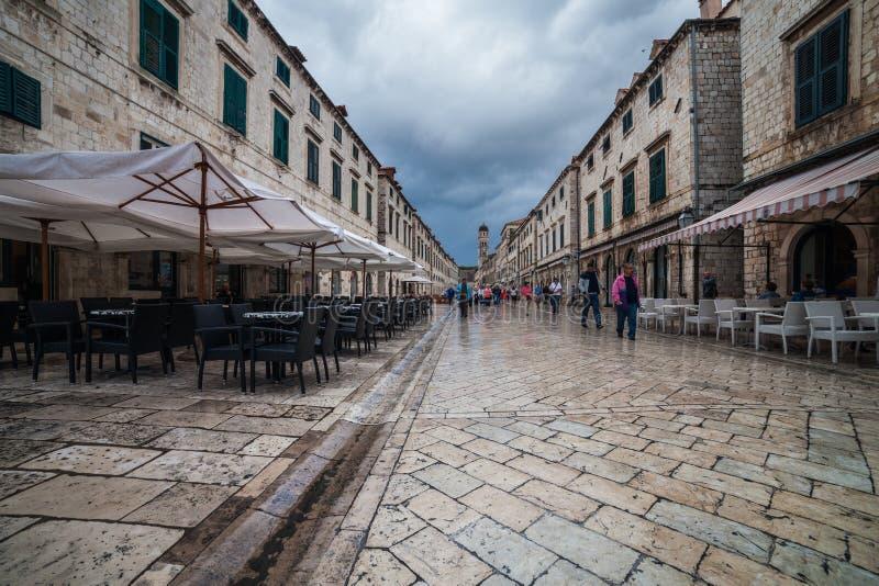 Stradun gata i gammal stad av Dubrovnik royaltyfria bilder