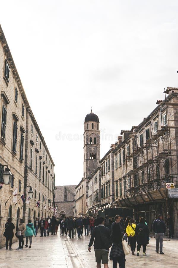 Stradun jest du?ym, d?ugim i szerokim ulic? w dziejowym centrum Dubrovnik, - UNESCO ?wiatowego dziedzictwa miejsce Chorwacja, Eur zdjęcie stock