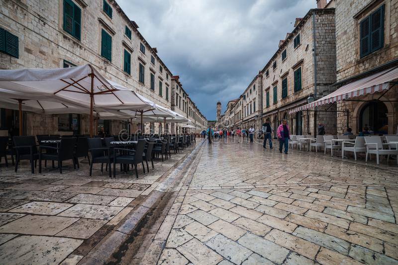 Stradun-Straße in der alten Stadt von Dubrovnik lizenzfreie stockbilder