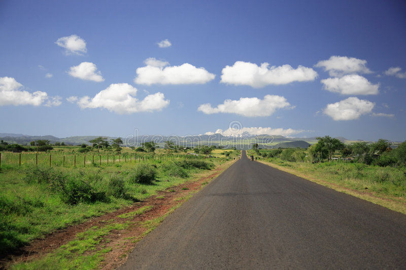 Download Straight Road To Mount Kenya Royalty Free Stock Images - Image: 4479629