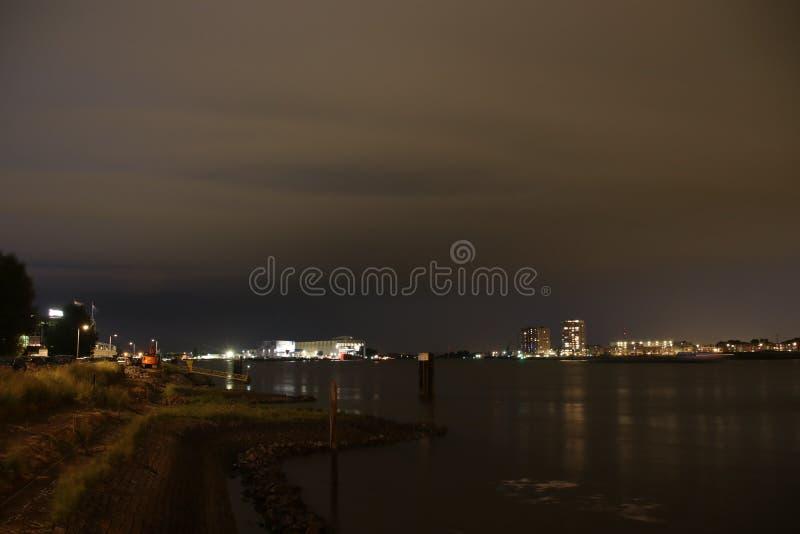 Strajki na Skyline w Rotterdamie w rzece Nieuwe Maas w Holandii zdjęcie royalty free