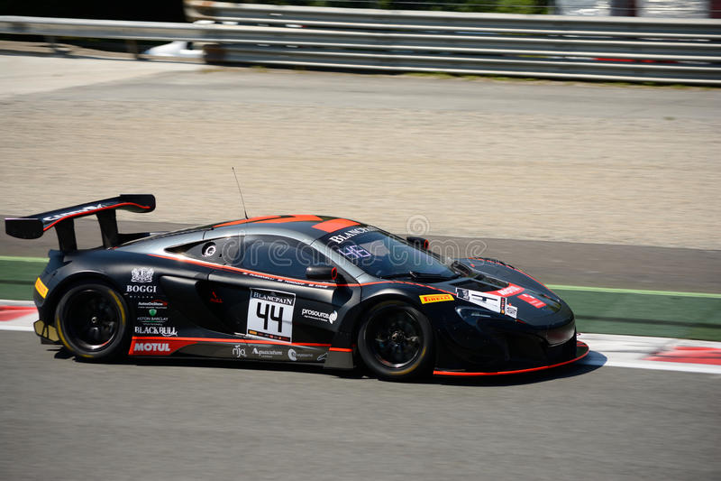 Strakka Ściga się McLaren 650 S GT3 przy Monza obrazy stock