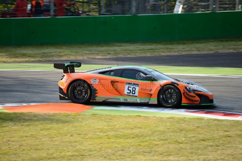Strakka Ściga się McLaren 650 S GT3 przy Monza obraz royalty free