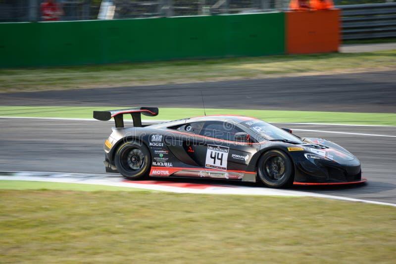 Strakka Ściga się McLaren 650 S GT3 przy Monza obraz stock