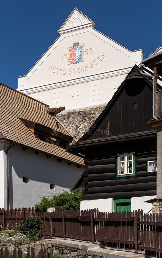 Stramberk, Tschechische Republik Haus mit Aufschrift Stramberk lizenzfreies stockbild