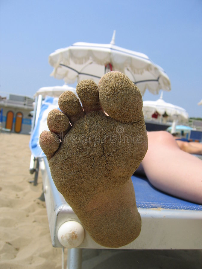 Download Am Strand stockbild. Bild von sonne, fuß, fahrwerkbein, relax - 7467