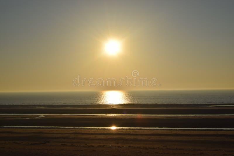 Download Strand stockbild. Bild von dämmerung, landschaft, strand - 96930117