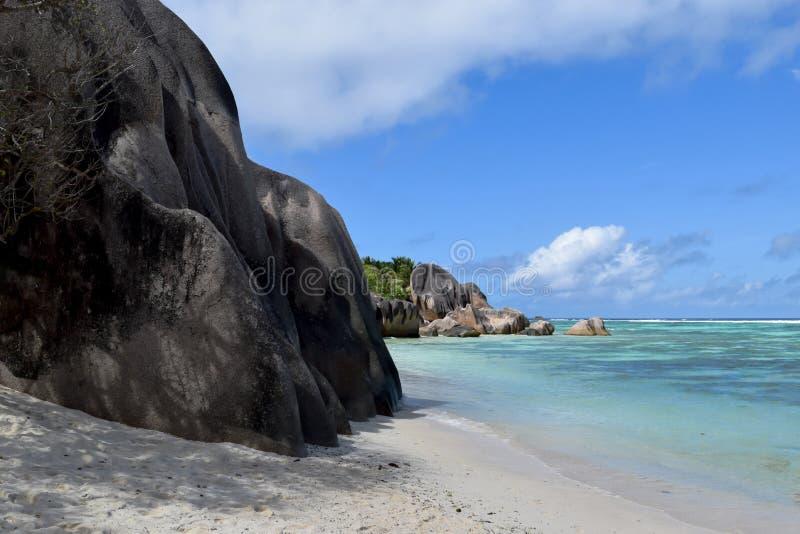 Strand Anse het Bron van D ` Argent in Seychellen, het Eiland van La Digue royalty-vrije stock foto