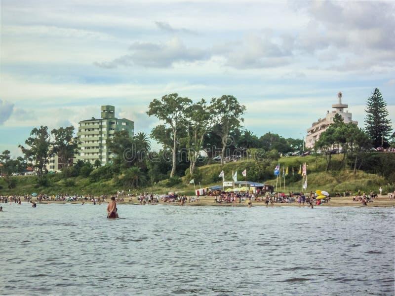 Strand-Ansicht vom Wasser stockfotos