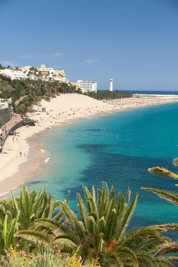 Strand av Morro Jable, kanariefågelö Fuerteventura royaltyfri foto