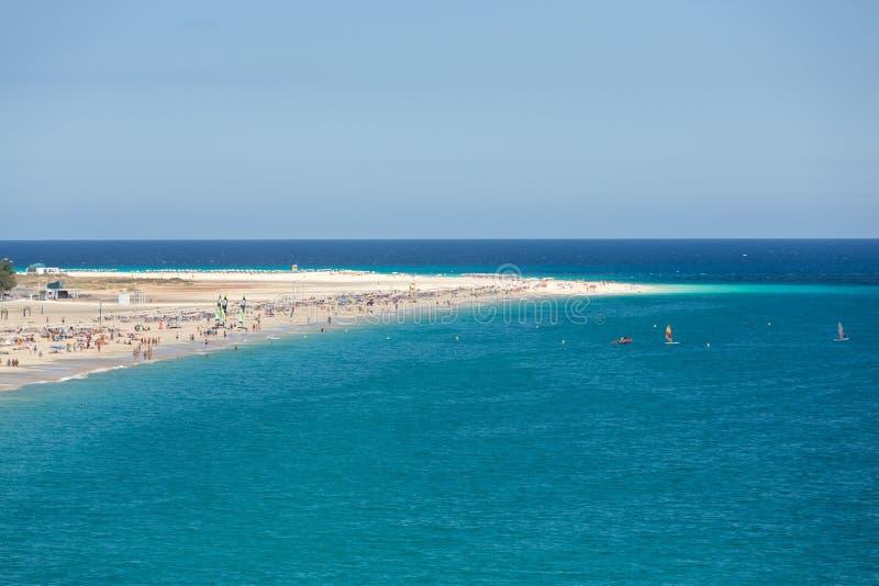 Strand av Morro Jable, kanariefågelö Fuerteventura, royaltyfri fotografi