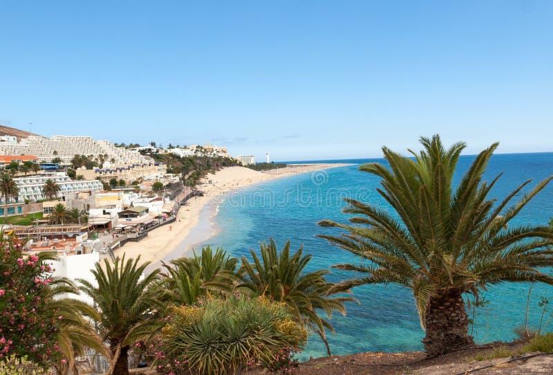 Strand av Morro Jable, kanariefågelö Fuerteventura, royaltyfria bilder