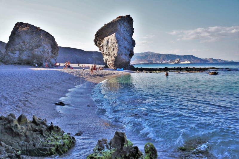 Strand av Muertosen från Carboneras Almeria Andalusia Spain royaltyfri fotografi