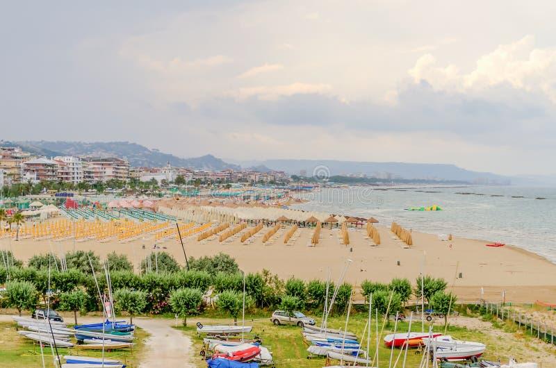 Pescara Strand strand av pescara på adriatiskt havet italien arkivfoto bild av