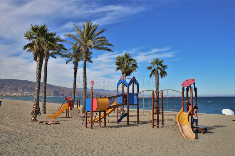 Strand av Romanillaen från Roquetas de Fördärva Almeria Andalusia Spain arkivbild