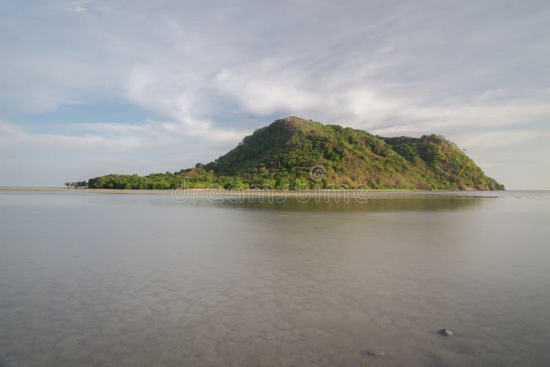 Strand Bawean, Gresik, Indonesien arkivfoto