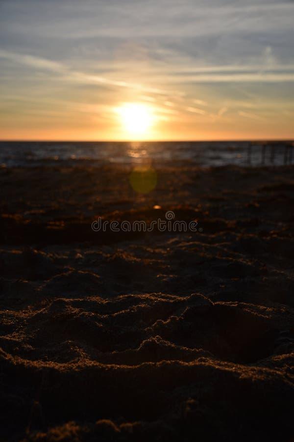 Strand bij avond royalty-vrije stock fotografie